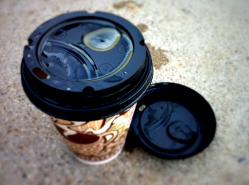 Coffee cups with two lids